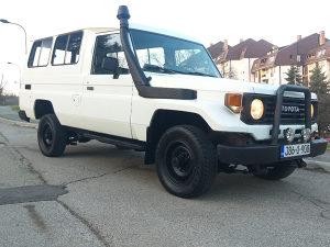 Toyota Land Cruiser PZJ75