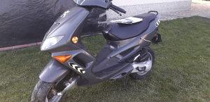 Motocikl scooter