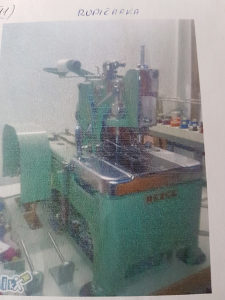 Dugmičarka za tekstilnu industriju