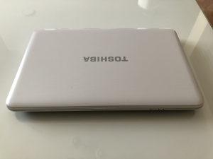 TOSHIBA Satellite C855-2HL   Pentium B960 2.2 GHz