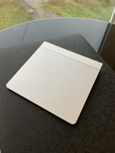 Apple Magic Trackpad Bezicni - Bluetooth