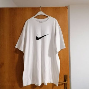 Nike White Logo T-Shirt (Majica)