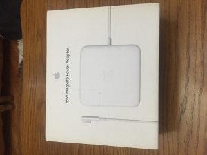 Punjac za laptop Apple
