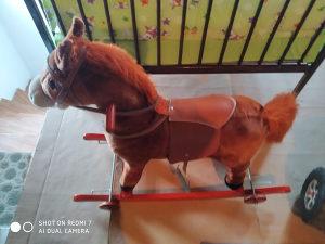 Igračka konjić