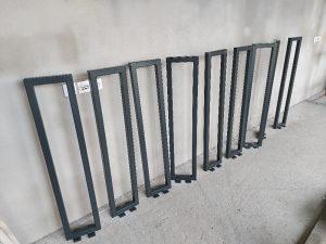 Stubovi za panelne ograde. Stubići za ogradu