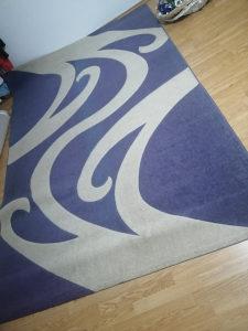 Tepih bez oštećenja