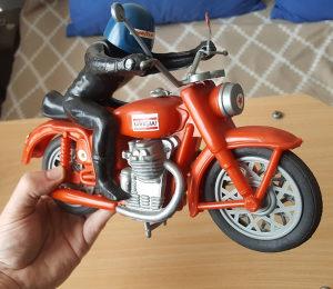 Kawasaki motor novo staro preko 30 godina