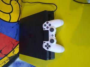 PlayStation 4 PS4,1 joystick+5 igrica(FIFA,NBA...)