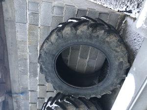 Traktorske gume Pireli