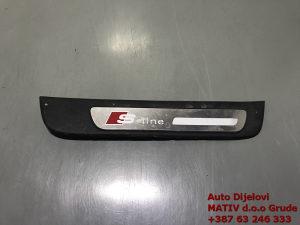 Plastika na pragu Sline Audi A4 B8 2015 8K0853376