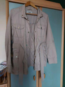 Ženski mantil / jakna
