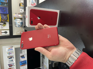 IPHONE 8 PLUS RED-EDITION KAO NOVO