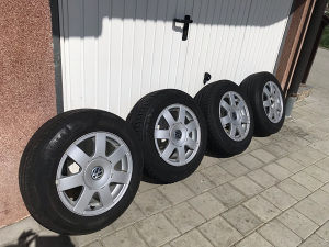 "Aluminijske Felge Volkswagen sa gumama 15"" 195/65"