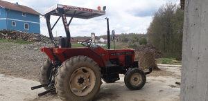 Traktor zetor turbas