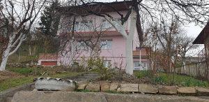 Kuća, Pofalići, 260m2, zemljište 500m2