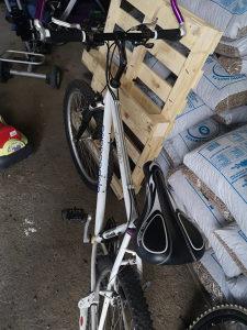 Cannondale biciklo