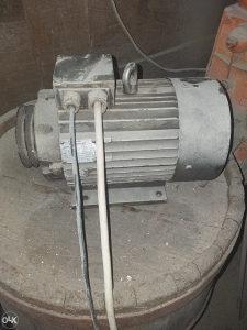 Trofazni elektromotor 2.2KW...