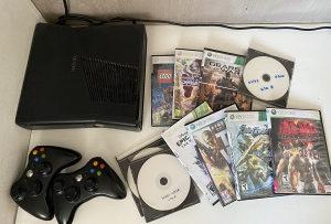 Xbox 360 + igrice + džojstici