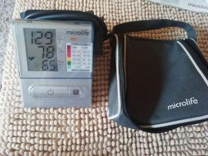 Digitalni tlakomjer Microlife na nadlakticu