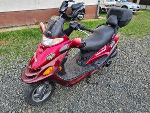 Motor skuter KYMCO 125 4T