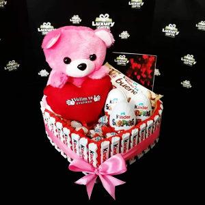 Torta od slatkiša za rodjendan,godišnjicu