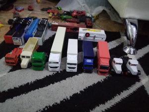 Mercedes kamioni igračke