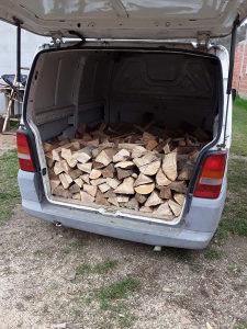 Cjepana drva ogrev prodajem dostava