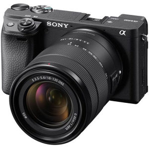 Sony Alpha a6400 zoom kit with 18-135mm