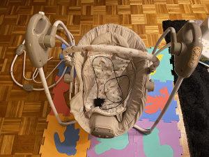 Elektricna baby ljulja chipolino