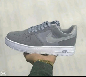 PATIKE NIKE AIR FORCE