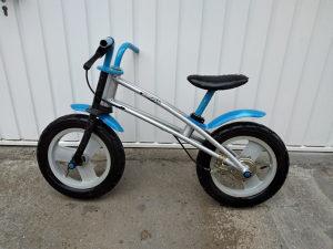 Balans biciklo bicikla bicikli