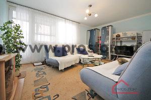 PROSTOR prodaje: Dvosoban stan sa lođom, Koševsko brdo