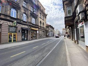 SIGENX prodaje:Trosoban stan kod Katedrale/Stari Grad