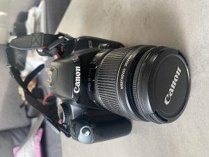 Canon 450D DSLR sa dodatnom opremom