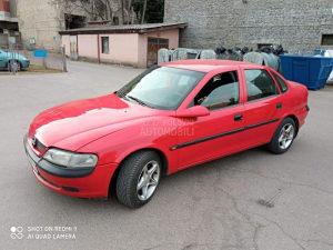 Opel vektra B stranac 1.8 ili 2.0benzin