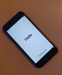 Iphone 7 128 GB crni