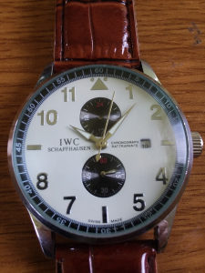 Sat IWC automatik.