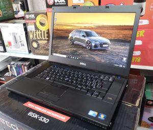"Laptop Dell 15.6"" / i7-M640 / 4gb / 250gb; Nvidia 3100M"
