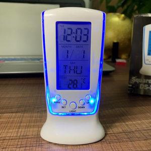 4u1 digitalni sat kalendar termometar budilnik