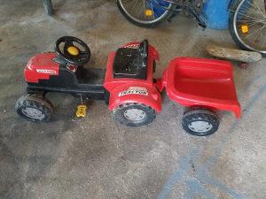 Djeciji traktor