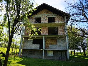 Kuća / imanje Tešanj