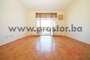 PROSTOR prodaje: Trosoban stan sa lođom, 81m2, Centar