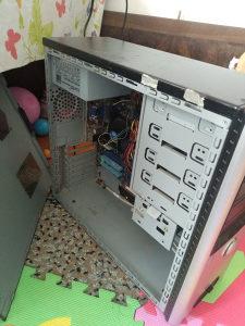 PC/INTEL I3 540/2 GB RAM/320 HD
