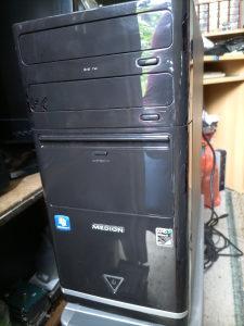 Računar Medion Quad Core 4x2800/500disk/4gb RAM/512 gr