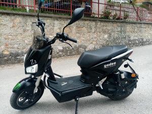Električni moped skuter motocikl