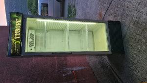 Frižider vitrina