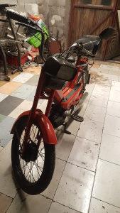 Puch (puh) moped motocikl