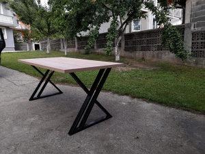 Rucno pravljeni sto
