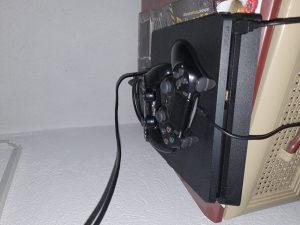 PS4 1TB - 2 JOYSTICKA - 7 IGRI - PS PLUS 12mj