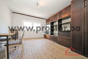 PROSTOR prodaje: Četverosoban stan, Bistrik